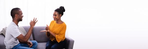 paar kommunikation mit gebaerdensprachen