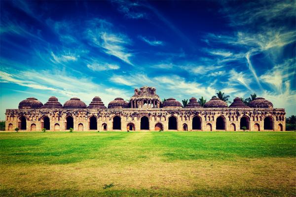 alte ruinen von elefantenstaelle
