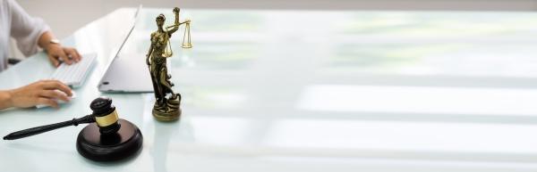 online gerichtsgerichtskonzept