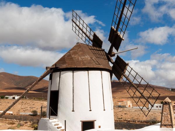 alte windmuehle in antigua dorf fuerteventura