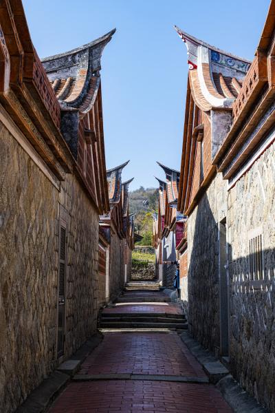 taiwan kinmen jinsha allee zwischen traditionellen