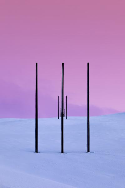 strommasten in winterlandschaft tana norwegen