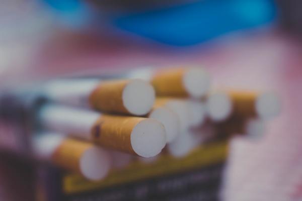 nie eine zigarette rauchen