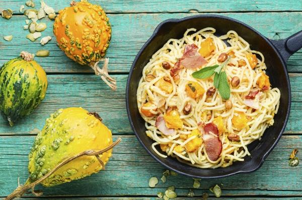 pasta mit kuerbis und speck