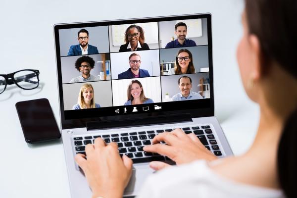 arbeiten von zu hause online videokonferenz