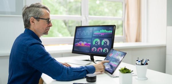 kpi analytics business data dashboard technologie