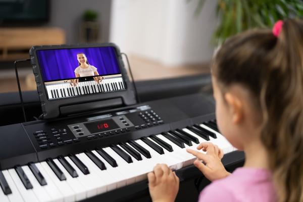 musik klavier internet klasse zu hause