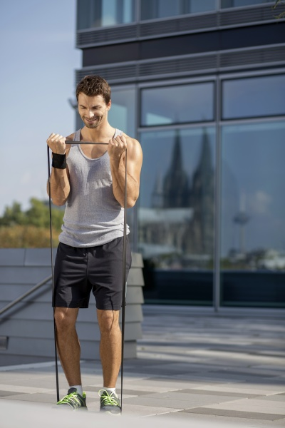 manntraining mit fitnessband