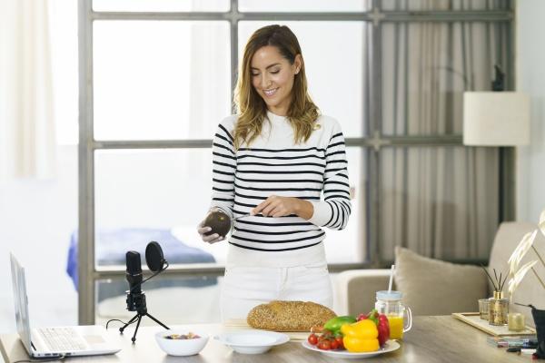 ernaehrungswissenschaftler lehrt gesundes essen online auf
