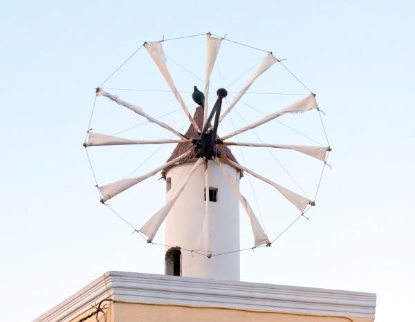 traditionelle santorini windmuehle