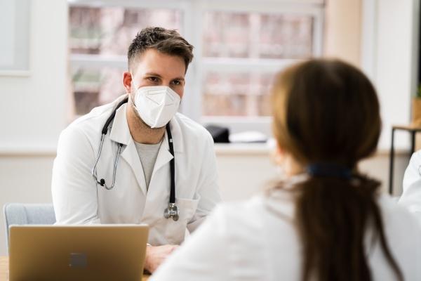 vorstellungsgespraech und rekrutierung von krankenschwestern