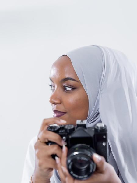 afrikanische moderne muslimische frau mit retro