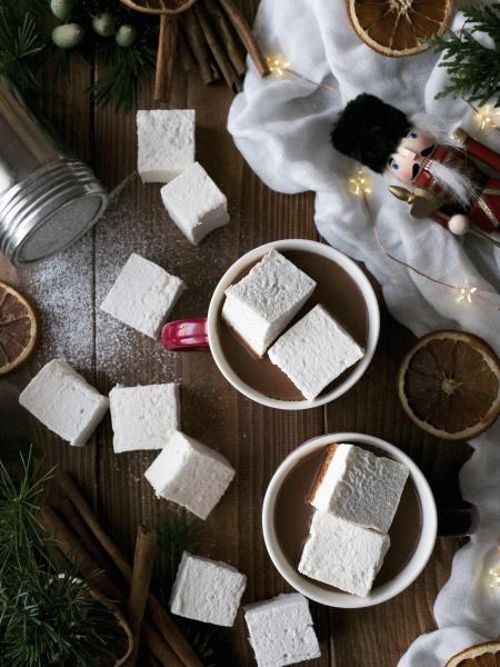 leckere, heiße, schokolade, mit, weichen, marshmallows - 29890915