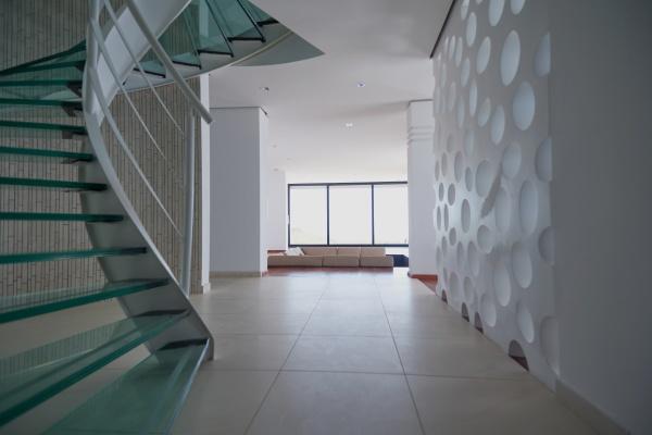 moderne glasspiraltreppe