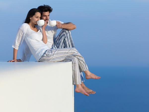 gluecklich junge romantische paar haben spass