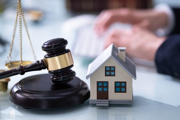 immobilienhaus zwangsvollstreckung rechtsanwalt