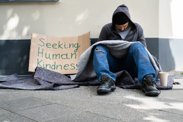 obdachloser einsamer armer mann