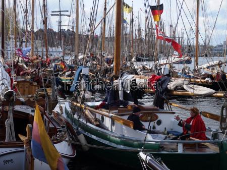 ships sailing boat sailboat rowing boat