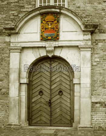 portal des alten rathauses emden