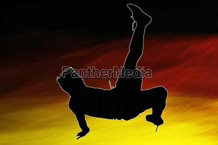 fallrueckzieher vor deutschlandflagge