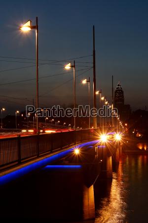 peace bridge in frankfurt vertically