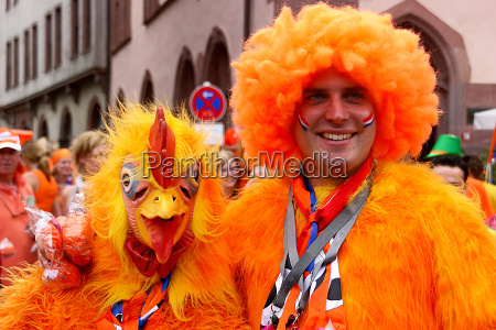 zwei oranje fans