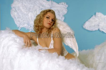 engel in wolken