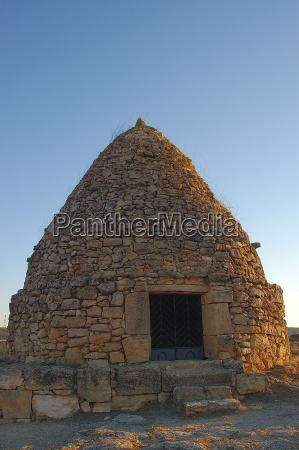 steinbauten in spanien