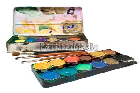 wasserfarben und pinsel