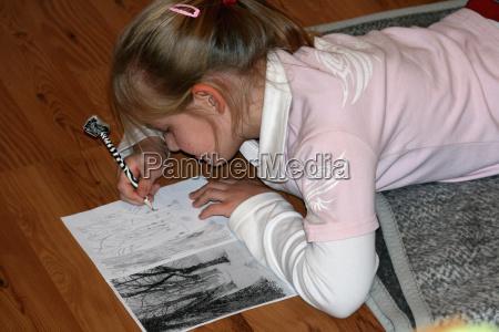 painting girl at