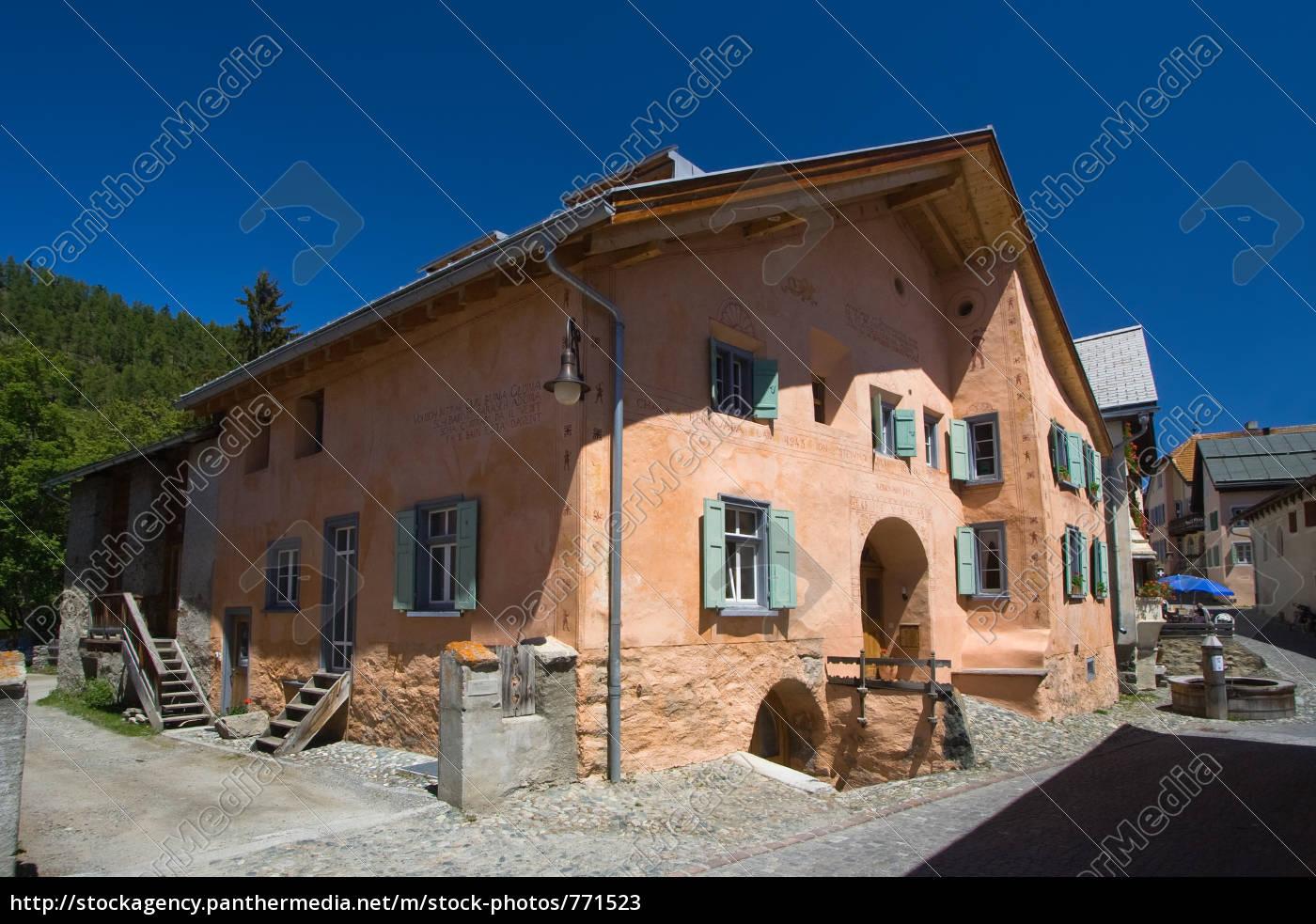 Sudliche Hausfarben In Guarda Engadin Lizenzfreies Bild 771523