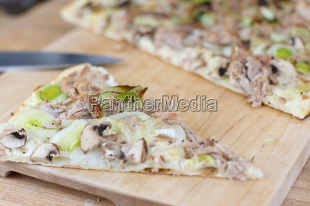 tarte with tuna and leeks