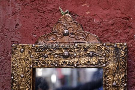 spiegel in den souks von marakech