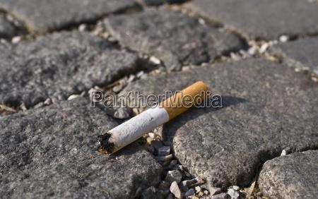 cigarrillo residuos maricon colilla humo