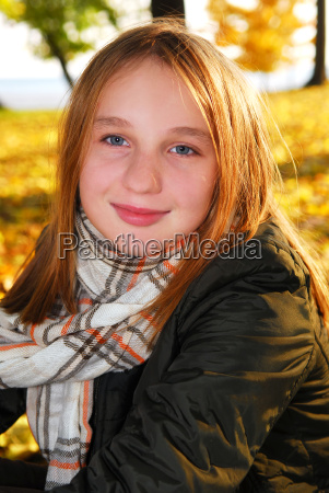 girl in a fall park
