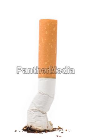 una colilla de cigarrillo
