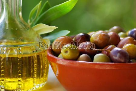 portuguese oil and mature olives