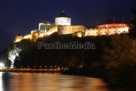 kufstein fortress at night