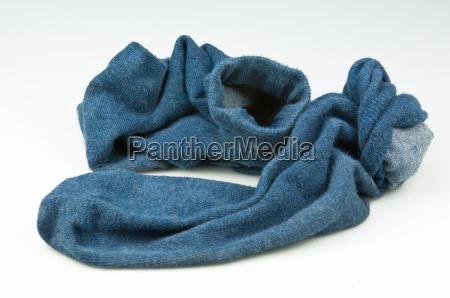 blaue getragene socken