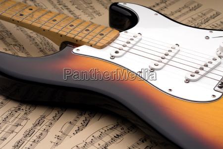 e gitarre und noten