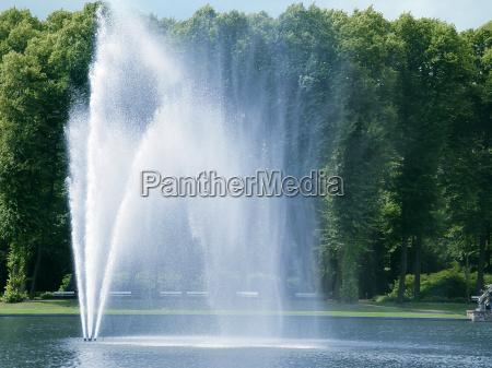 fontaene fountain