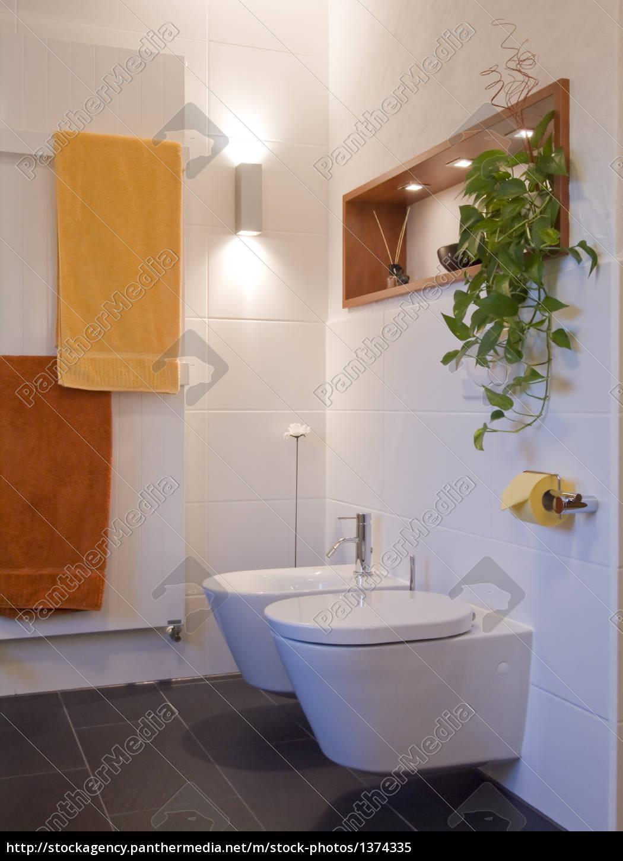 Bad Modern Toilette Bidet Regal Lizenzfreies Bild 1374335