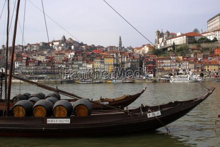 portweinschiffe auf dem douro