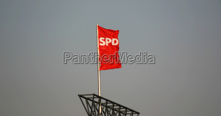 berlin fahne politik zentrale partei dach