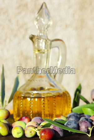 olive oil and mature olives