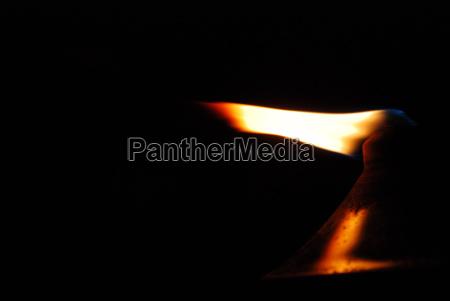 romantic flaming oil lamp