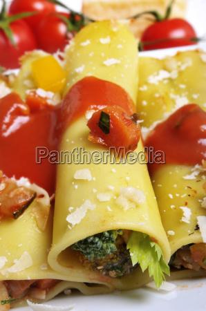 cannelloni mit gemuesefuellung