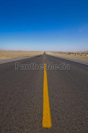 road in desert peru panamericana