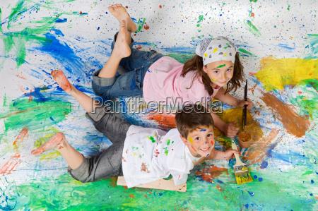 freunde mit der malerei spielen