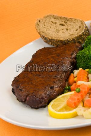roastbeef mit brokkoli moehre